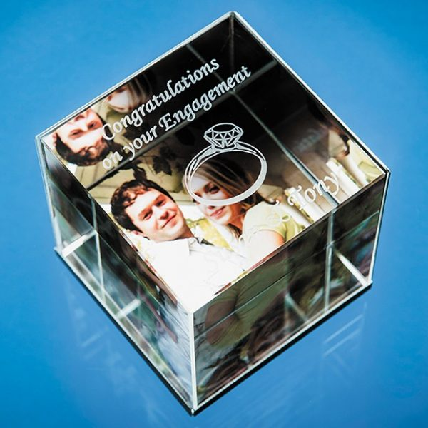 6cm Optical Crystal Cube Photo Frame – holds 3 Photos 1
